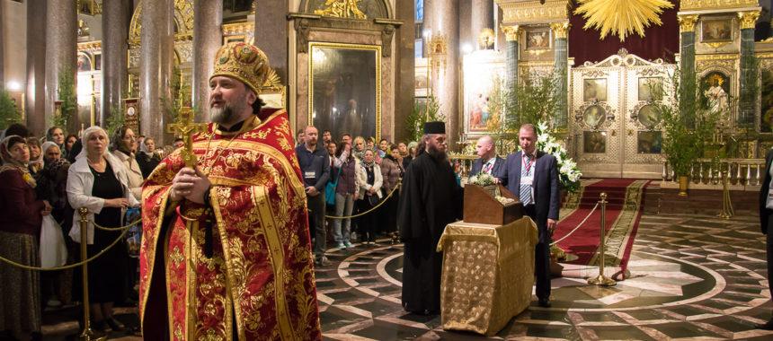 Молебен с акафистом у десницы святого Георгия Победоносца