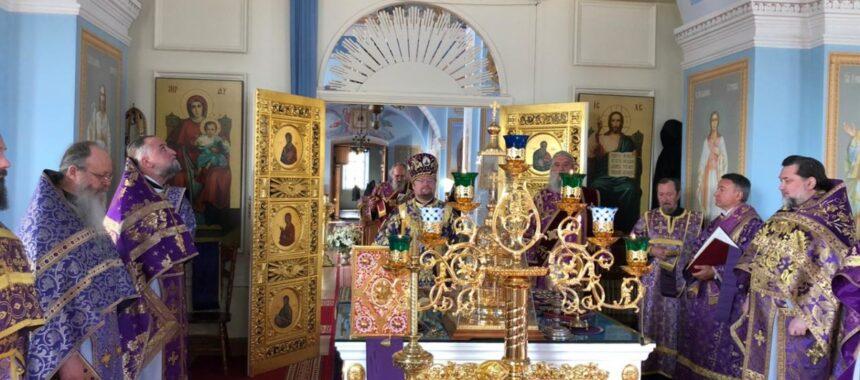 Богослужения праздника Крестовоздвижения в Коневской обители